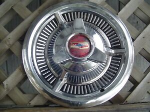 ONE VINTAGE 1958 CHEVROLET CHEVY BELAIR IMPALA NOMAD BISCAYNE HUBCAP WHEEL COVER