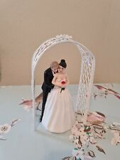 Wedding Cake Topper Couple In Archway