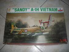 "ESCI ""SANDY"" A-1H VIETNAM PLASTIC MODEL 1/48"