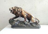 Grande statue lion en plâtre signée A.Fagallo