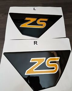 FIESTA ZETEC S MK7/MK7.5 REAR SPOILER GLOSS BLACK GEL BADGES CHROME/YELLOW