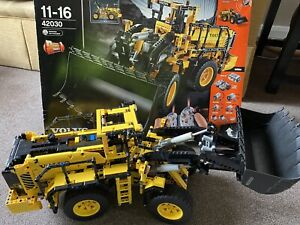Lego Technic 42030 Volvo L350F Wheel Loader 100% With Box And Instructions