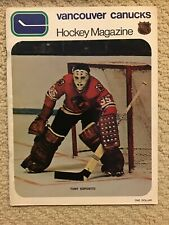 Canucks 70-71 Magazine vs Chicago