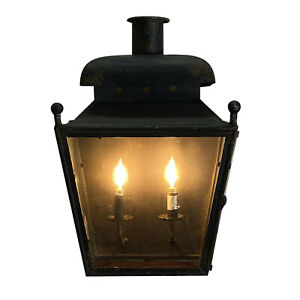 Colonial American Wall Lantern or Sconce for Hall or Bedroom
