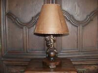 Rartät über 100 Jahre alte Lampe Tischlampe Engellampe  Puttenlampe massiv Holz