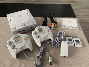 Sega Dreamcast Konsole mit 2 Controller und 2 Memory Cards,HKT-3030