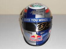 Sebastien Buemi main signé 2011 1/2 échelle Toro Rosso casque très rare.