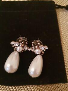 Bee Vintage Style pearl Drop earrings