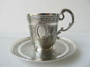 Tasse et sa sous-tasse en métal argenté signée et numérotée. Maison GALLIA