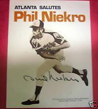 PHIL NIEKRO signed-booklet-h