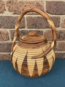 Vintage Fine Woven BUKA BASKET With Lid & Handle From Papua New Guinea