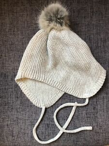 Baby Girl Boy Grey Bobble Hat From H&M Size 2-6 Months.