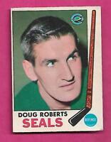 1969-70 OPC # 81 GOLDEN SEALS DOUG ROBERTS GOOD CARD  (INV# A9375)