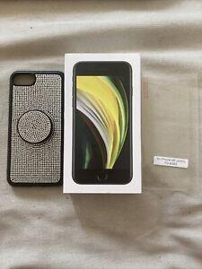 (Open Box) Apple iPhone SE 2020 2nd Gen Black 64gb (Cricket wireless) - BUNDLE