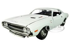 PartDetached 1970 DODGE CHALLENGER R/T 440 WHITE LTD ED 1/24 BY M2 40300-74 A