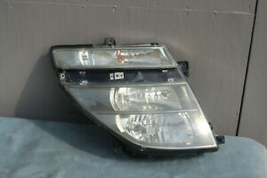 Nissan Elgrand E51 headlight Right   Japan