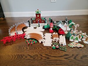 Fisher Price GeoTrax - Christmas Toy Town Train Set - Clean, Working & 99% Comp.