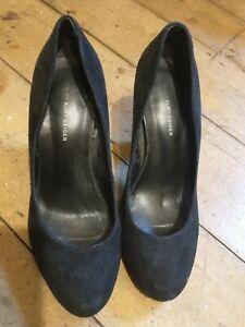 KG by Kurt Geiger Red Black Suede Heeled Shoes Size 7 (EU 40)