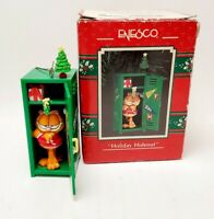 Enesco Garfield the Cat Holiday Hideout Christmas Ornament VGC