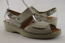 FINN COMFORT-  Womens 9 1/2 US (7 UK) S-W-25