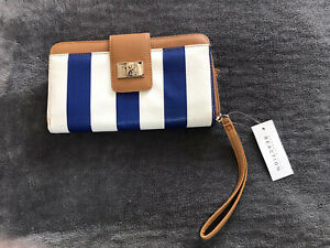 NWT Kennith Cole Reaction Bifold Blue/White Striped Womens Wallet w/ Photoflips