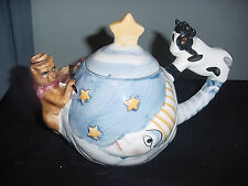 THE COW JUMPED OVER THE MOON TEAPOT TEA POT CERAMIC COLLECTIBLE DESIGNPAC  vtm