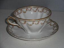Tasse et sous-tasse a chocolat en porcelaine de Limoges. Haviland.Café,thé.