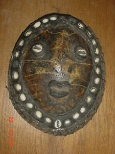 OLD PAPUA NEW GUINEA TURTLE SHELL MASK