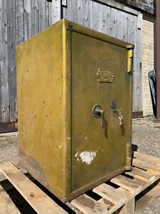 Antique Safe (Empire Safe Company) with Key (UK Mainland Delivery Available)