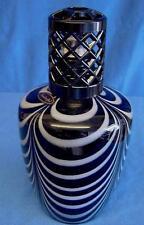 ASHLEIGH & BURWOOD LARGE BLACK & WHITE HUMBUG ART GLASS FRAGRANCE LAMP PFL154