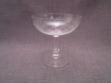 Coupe à champagne ancienne en cristal ciselée
