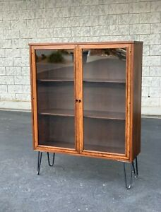 Mid Century Modern Broyhill Sculptra Display Cabinet / China Cabinet
