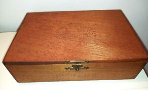 Vintage rustic wooden wood Duchess Joan Cabinets cigar box with hinged lid