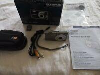 Olympus FE FE-4000 12.0MP Digital Camera - Gray U1BB39379 with Logic Case