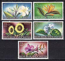 Indonesia - 1957 Flowers - Mi. 205-09 MNH