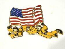 SKYDIVING ~ SKYDIVERS HOLDING AMERICAN FLAG ~ NICE ENAMEL PIN