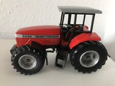 Tractor MASSEY FERGUSON 9240 Siku 1:32