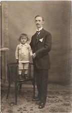 Foto AK Feiner Herr mit kleinem Kind - Wien