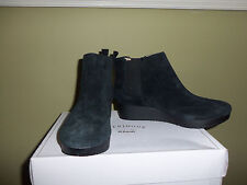 Dr. Scholl's Pull-On Wedge Boots Scarlet Black Size 6.5 6 1/2 Medium QVC