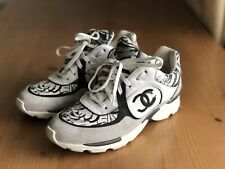 Authentic Chanel Black White Suede Leather CC Logo Sneakers Size EU 39,5 US 9,5