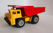 MATCHBOX 1989 CASTED DUMP TRUCK WITH DUMPING BED RED/YELLOW METAL BED