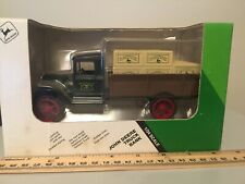 Ertl John Deere 1931 Hawkeye Delivery Truck Diecast Bank No 104 #5687 1/34 Scale