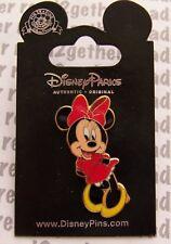 Disney Pin Minnie Mouse Coy