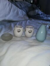 3 X TEALIGHT HOLDERS AND 1 X MINI VASE