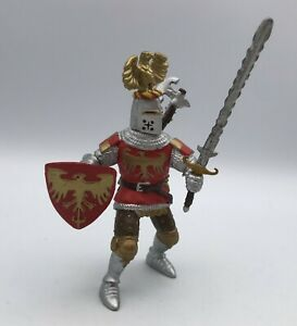 PAPO Knight FOOT SOLDIER w/SWORD & Shield Red Gold Eagle 2002