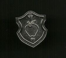 Snow White & Seven Dwarfs Poison Apple Shield Chaser Splendid Walt Disney Pin