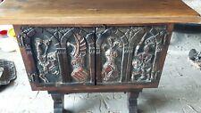 Ältere Komode Schränkchen Ritter Holz geschnitzt Handarbeit