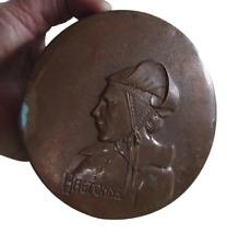 Ancienne Plaque relief emboutie cuivre Visage Bretonne signé E.Havard vintage