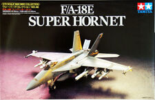 Tamiya 60746 1/72 Scale Aircraft Model Kit U.S Navy Boeing F/A-18E Super Hornet