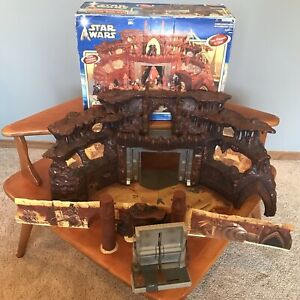 Star Wars II Attack of the Clones Geonosis Battle Arena Hasbro 2002 Playset Only